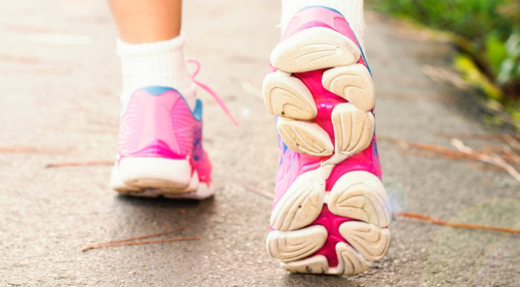 Best practices for staying safe whilst running and walking outdoors